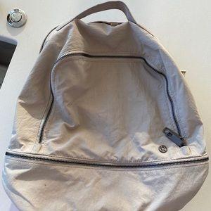 lululemon athletica Bags - Lululemon adventure 17L bag